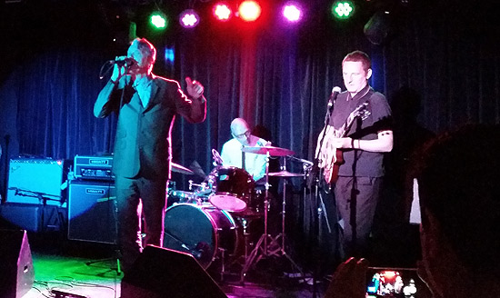 Dunstan Bruce with his new band Interrobang‽ live in London, 2 Oct 2015.